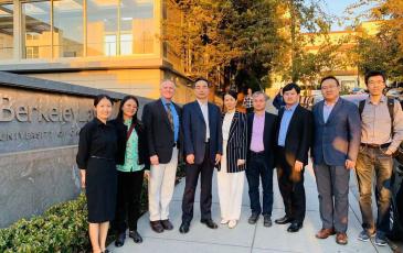 From left to right: Fan Dai, Ming Dengli, CARB Executive Officer Richard Corey, BEE Director General Chen Tian, Li Xiang, Jiang Lin, Liu Baoxian, Liu Xin, and Chao Ding